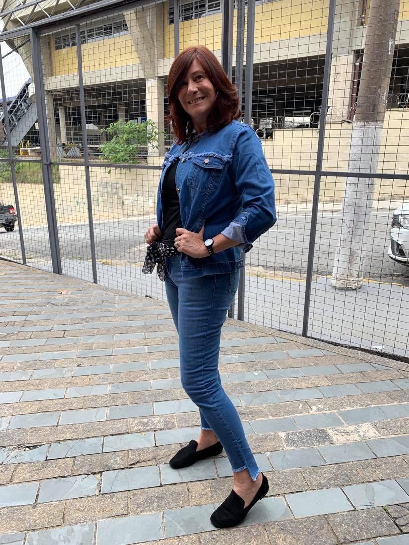 apresentando nova coleção, introdizindo jeans ao cofortp necessário para os novos tempos.
